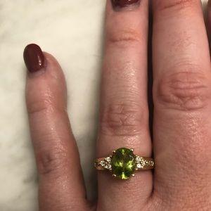 Jewelry - 14kt  yellow Gold Peridot Ring
